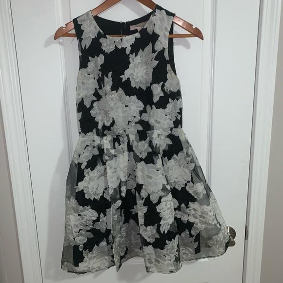 Forever 21 Dresses & Skirts - Black and white dress